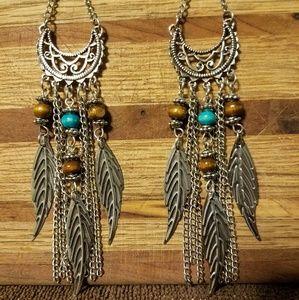 Jewelry - Silver Feather Dangling Earrings